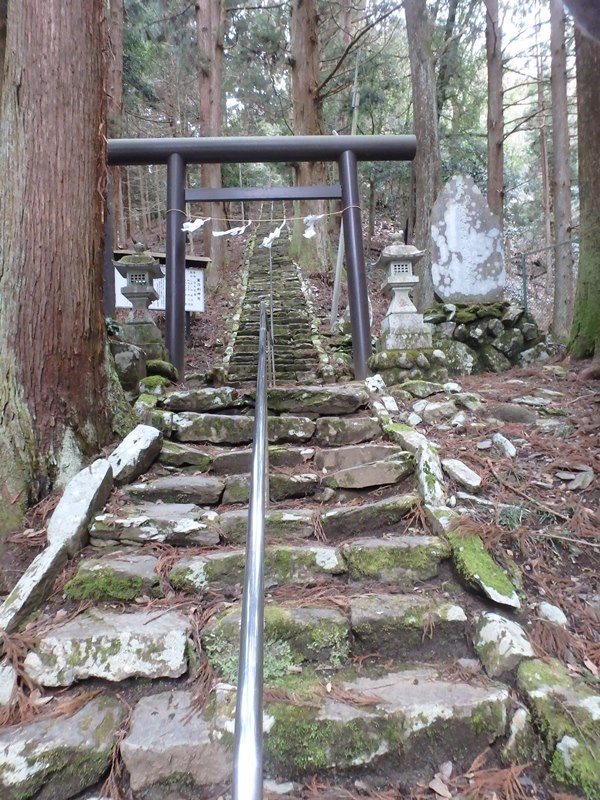 A03P神社階段.jpg