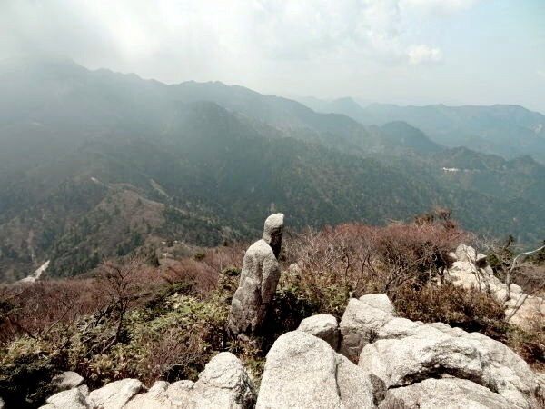 天指し岩.jpg